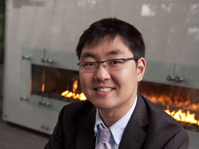 Department of Marketing Associate Professor Jonathan Zhang